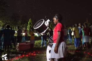 A student from Chumani School observing Saturn