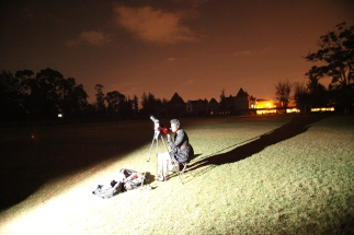 Suzi setting up a refractor at Brookhouse School