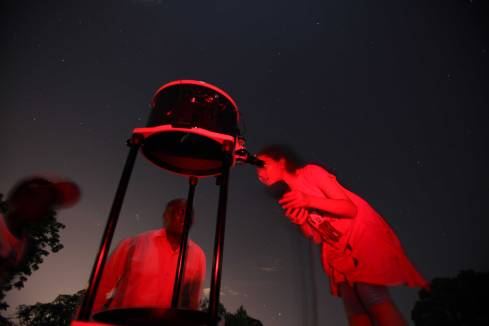 A Brookhouse student viewing Saturn